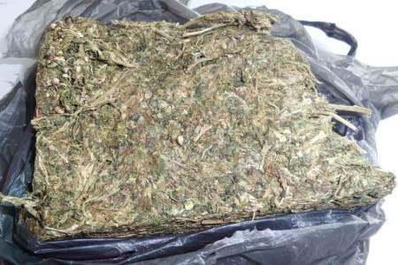 Acciones preventivas de Policía Estatal dejan dos detenidos con importantes cantidades de probable marihuana