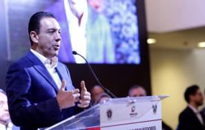 Acerca gobernador Omar Fayad a empresas hidalguenses para que sean proveedoras de proyecto cervecero de Grupo Modelo1