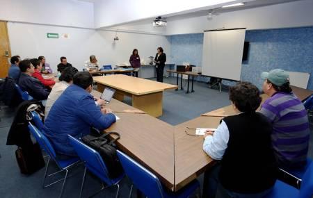 Acuden docentes a seminario con enfoque de género2.jpg