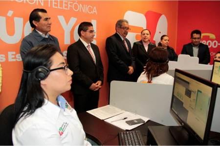 Atilano Rodríguez supervisó el Centro de Atención Telefónica que atiende casos de acoso escolar