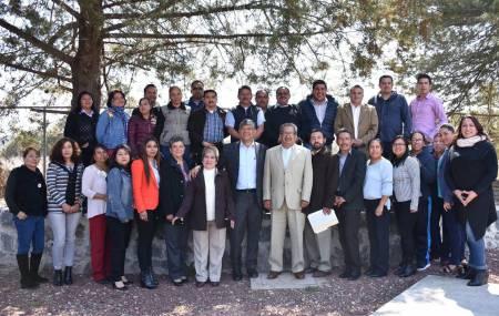 Atilano Rodríguez supervisó los trabajos de la Quinta Sesión del Consejo Técnico Escolar2.jpg