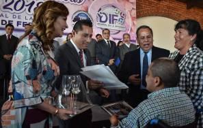 Celebran bodas colectivas en Mineral de la Reforma 2
