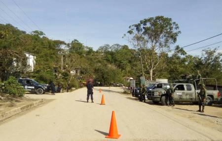 Con Base de Operaciones Mixtas, brindan seguridad corporaciones y Ejército en región de Orizatlán.jpg