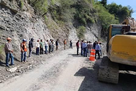 Construye gobierno del estado muros de contención en carreteras de la huasteca4
