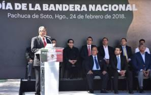 Encabeza secretario de Educación Pública de Hidalgo ceremonia cívica por el Día de la Bandera 1