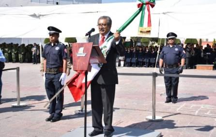Encabeza secretario de Educación Pública de Hidalgo ceremonia cívica por el Día de la Bandera 4