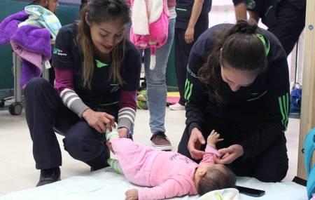 Estudiantes de terapia física de la UTSH promueven estimulación temprana en bebés1.jpg
