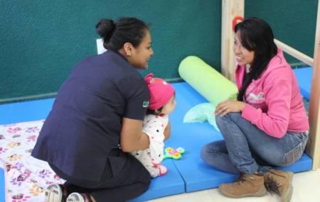 Estudiantes de terapia física de la UTSH promueven estimulación temprana en bebés2