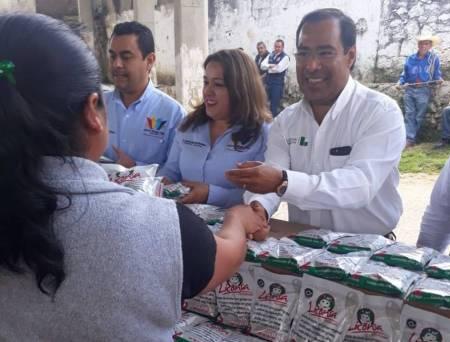 Gerente de Liconsa inaugura punto de venta en la localidad de Santa María municipio de Juárez Hidalgo2
