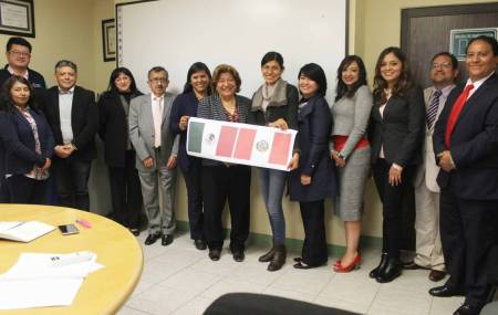 ITESA recibe a docentes peruanas1.jpg