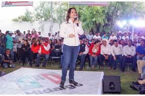 Meade tiene la visión para llevar a este país a un mejor rumbo, Leoncio Pineda Godos