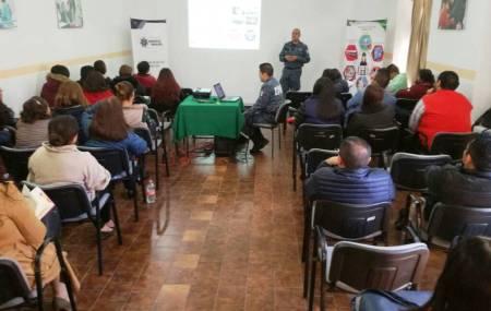 Policía Cibernética de Hidalgo brinda plática preventiva a servidores públicos del Sistema DIF.jpg