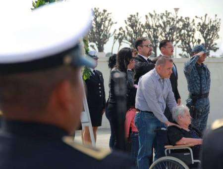 SSPH y PGJEH rinden homenaje a policía caído en su deber2.jpg