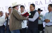 títulos agrarios para dar tranquilidad a las familias en la región de Tezontepec de Aldama8