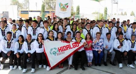 Abanderan delegación hidalguense de Olimpiadas Especiales2.jpg