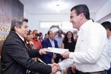Acude Sinuhé Ramírez Oviedo a entregar solicitud de registro ante el INE4
