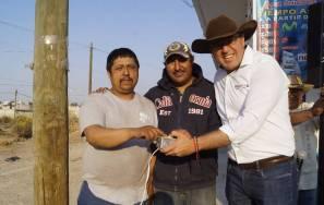 Alfonso Delgadillo entrega obras a colonias y comunidades de Tepeapulco3