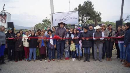 Alfonso Delgadillo entrega obras a colonias y comunidades de Tepeapulco5