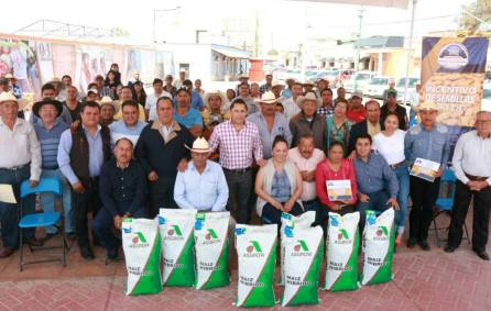 Apoya Raúl Camacho a productores agrícolas, con entrega de semilla de maíz 2