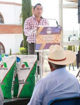 Apoya Raúl Camacho a productores agrícolas, con entrega de semilla de maíz 5