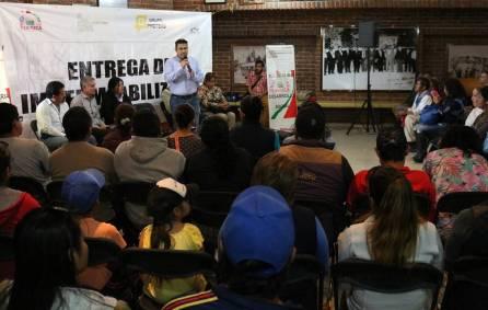Ayuntamiento de Tizayuca entrega impermeabilizante a agremiados de la ATTAC1