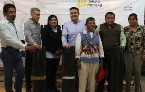 Ayuntamiento de Tizayuca entrega impermeabilizante a agremiados de la ATTAC3