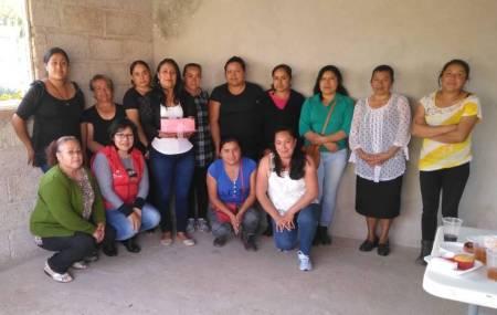 Capacitan a mujeres de Santiago Tulantepec para el autoempleo2
