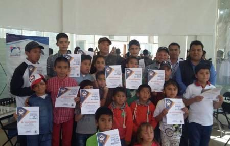 Cursos municipales de ajedrez,  impulsan destreza mental de niños y jóvenes en Mineral de la Reforma1.jpg