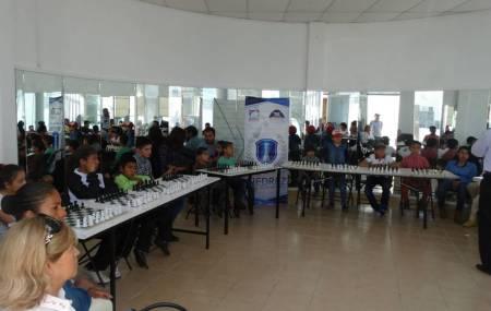 Cursos municipales de ajedrez,  impulsan destreza mental de niños y jóvenes en Mineral de la Reforma2.jpg