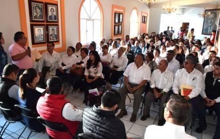 Delegados toman protesta en Santiago Tulantepec2.jpg