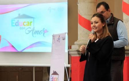 DIF Pachuca inicia programa Educar con Amor para contribuir a mejorar relaciones familiares1.jpg