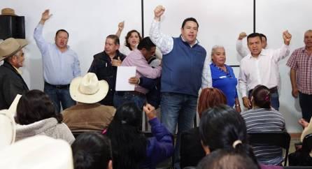 Entrega Leoncio Pineda reconocimientos a militantes del PRI6