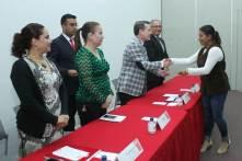 Entrega UAEH becas a 39 madres jefas de familia5