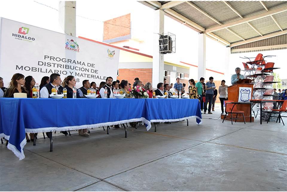 Entregan Mobiliario En Primarias De Tizayuca Y Arrancan