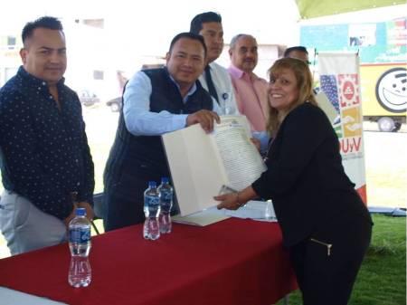 IMDUyV entrega escrituras habitantes de Tizayuca1.jpg