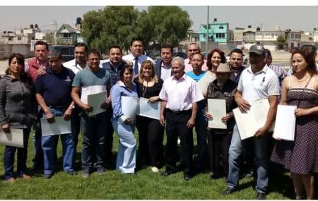 IMDUyV entrega escrituras habitantes de Tizayuca2.jpg