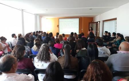 """Imparten a servidores públicos de contraloría ponencia """"Mujeres en la rendición de cuentas"""" 2.jpg"""