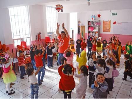 Impulsa DIF Pachuca desarrollo de habilidades creativas y culturales en infantes