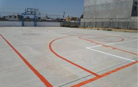 Mineral de la Reforma dignifica espacios deportivos en colonias con la pinta de canchas de usos múltiples1.jpg