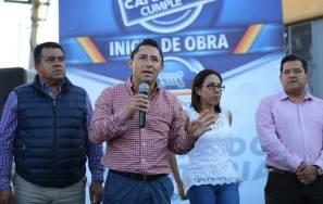 Raúl Camacho da banderazo de inicio a la construcción de pavimentación de concreto en La Providencia2