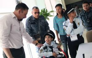 SSPH cumple anhelo de ser policía a menor con discapacidad 2