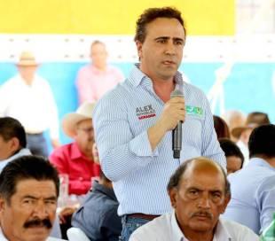 Alex Gónzalez y Osorio Chong refrendan su compromiso con habitantes de Huichapan1