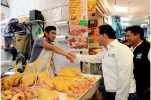 Alex González escuchó las demandas de comerciantes de la zona metropolitana