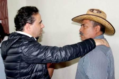 Alex González se comprometió a atender las necesidades del campo