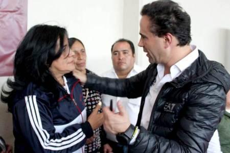 Alex González se comprometió a atender las necesidades del campo2