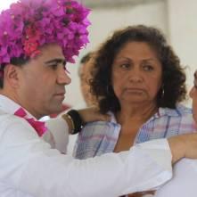 Arropan habitantes de Xochicoatlán a Alex González1