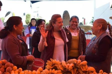 Buscaré conseguir recursos para programas sociales, Isabel Alfaro