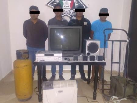 Capturan en Tizayuca a cuarteto de sujetos en una casa, les aseguraron varios aparatos electrodomésticos