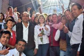 Cálido recibimiento a Citlali Jaramillo en los barrios más antiguos de Pachuca