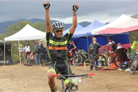 Ciclistas hidalguenses con participación en Colombia.jpg